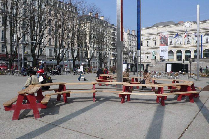 Band d 39 essai for Mobilier urbain espace public