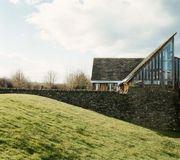 Fountains Abbey Visitor Centre, Ripon, N Yorkshire, Ted Cullinan architecte, 1992