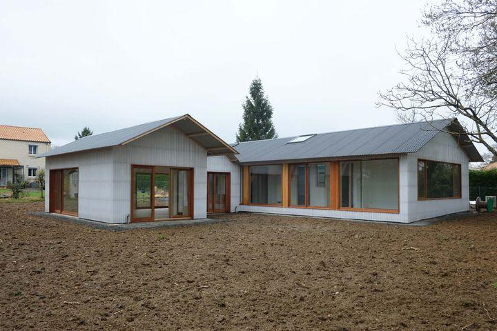 Tact architectes maison k au cellier - Hangar maison ...