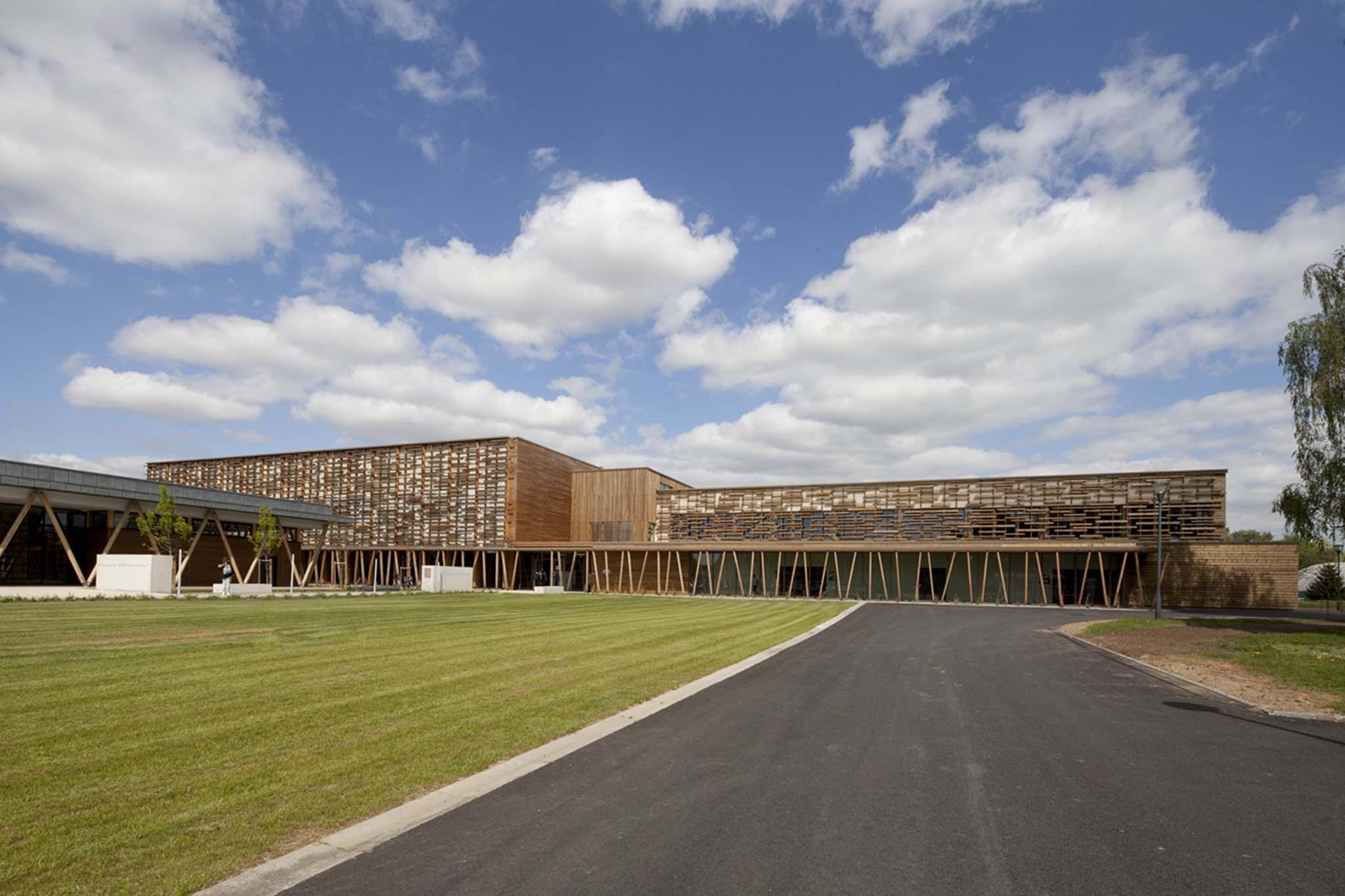 restructuration extension d une salle des sports auger rambeaud architectes benfeld