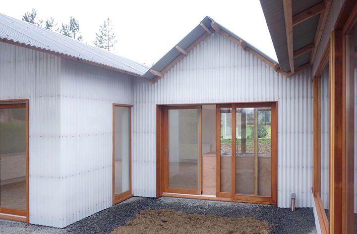 tact architectes restructuration et extension d un hangar en maison individuelle au cellier 44. Black Bedroom Furniture Sets. Home Design Ideas