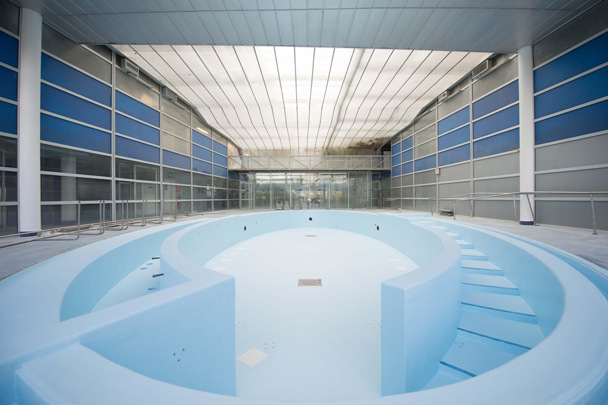 Les thermes de jean nouvel dax la nouvelle piscine termin e for Piscine les thermes luxembourg