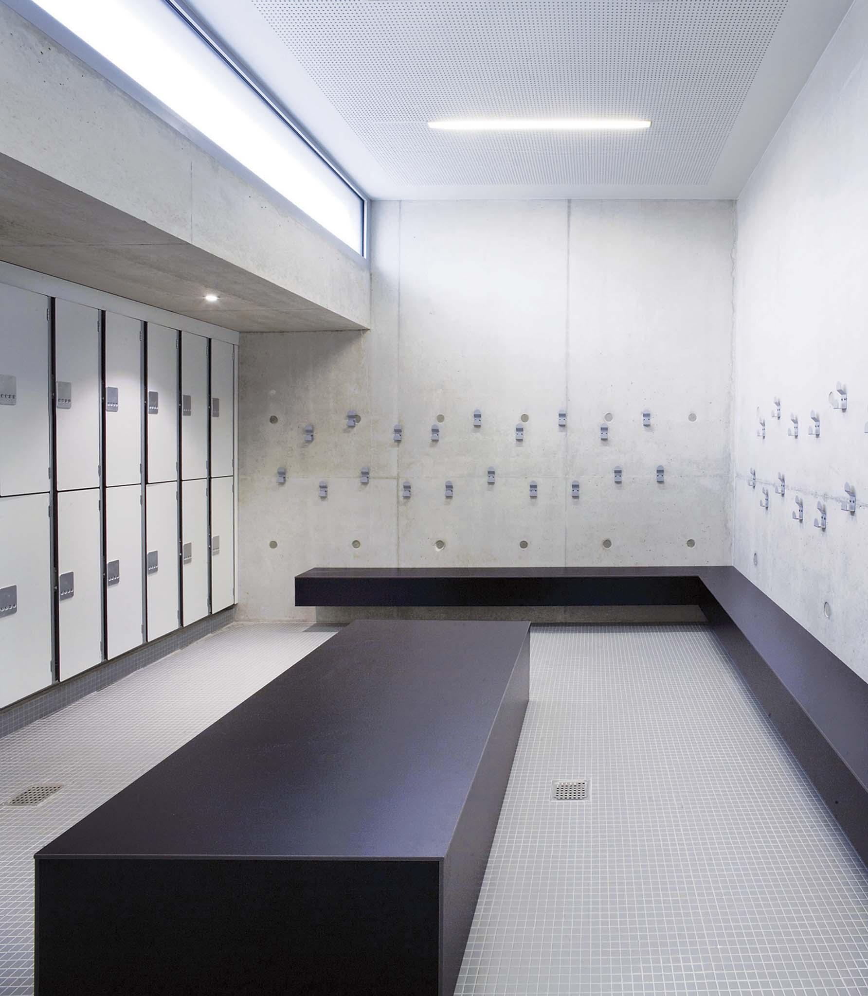 r habilitation et extension d une piscine tournesol lingolsheim urbane kultur. Black Bedroom Furniture Sets. Home Design Ideas