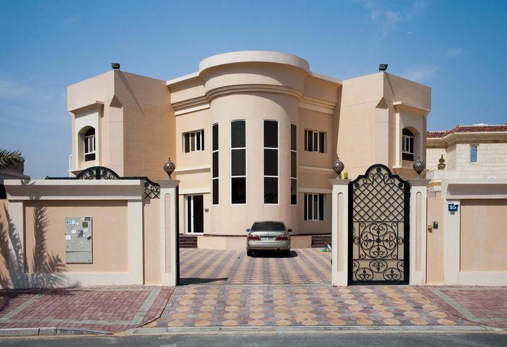 Villa dubai for Les facades des villas modernes