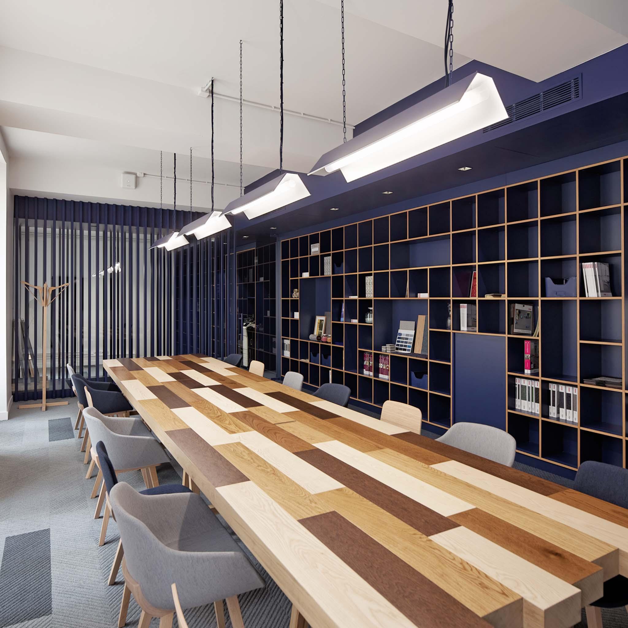 Tarkett L Atelier A Paris Vue Sur La Table De Reunion A L Etage