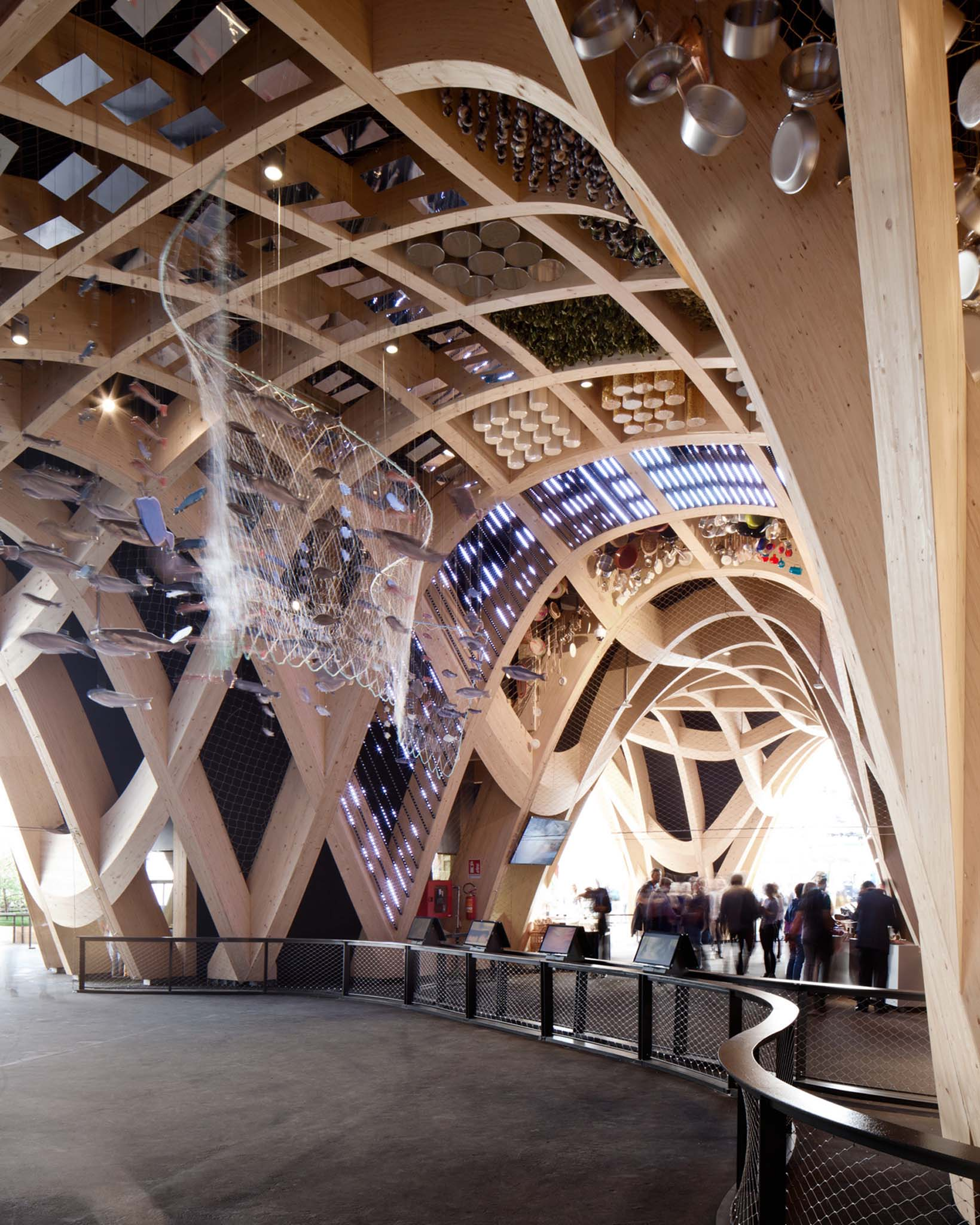 Pavillon france de l 39 expo milan 2015 xtu construit un for Architecture organique exemple