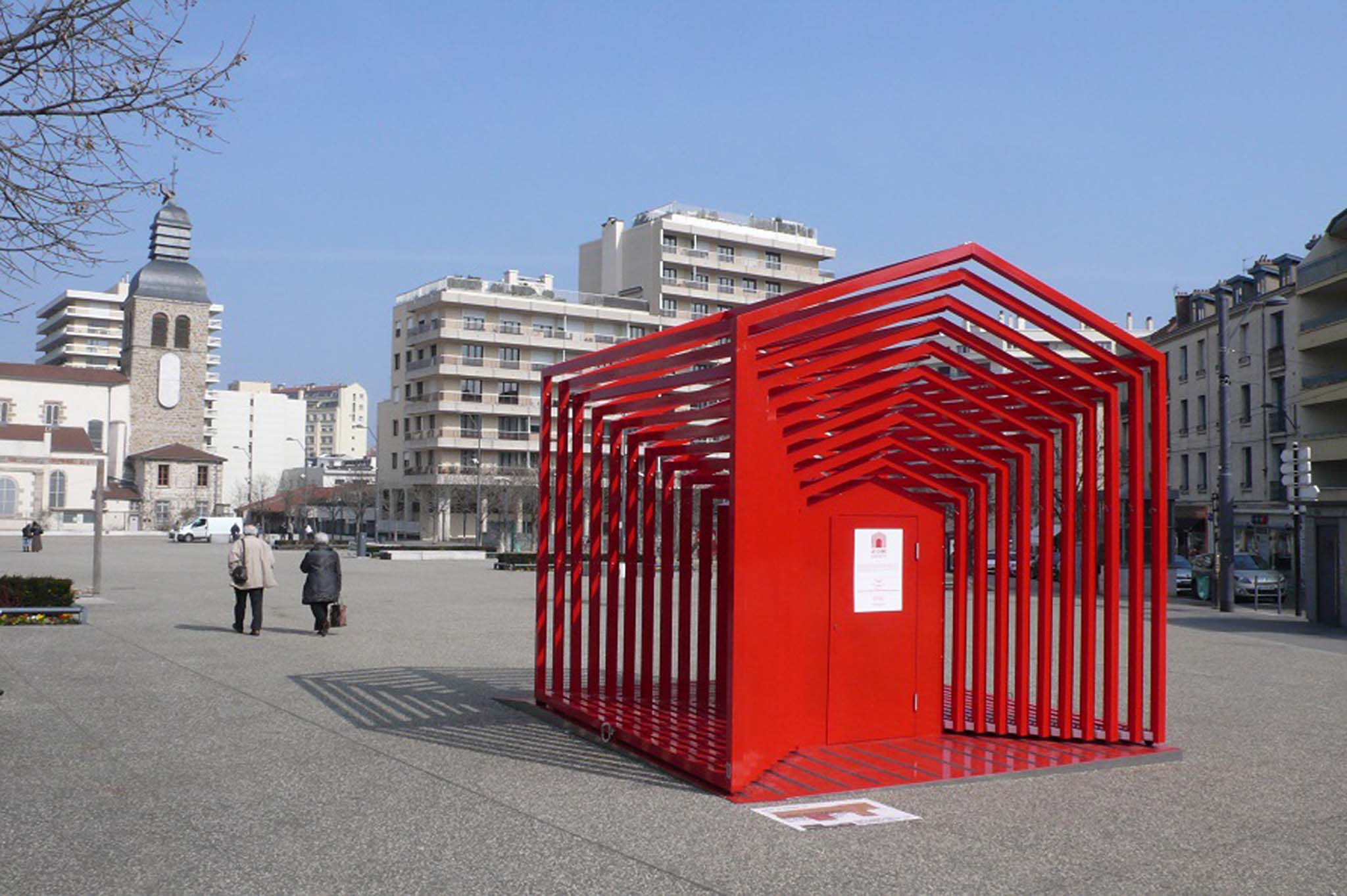 Saint tienne le mobilier urbain exp rimental investit - Mobilier jardin d ulysse saint etienne ...