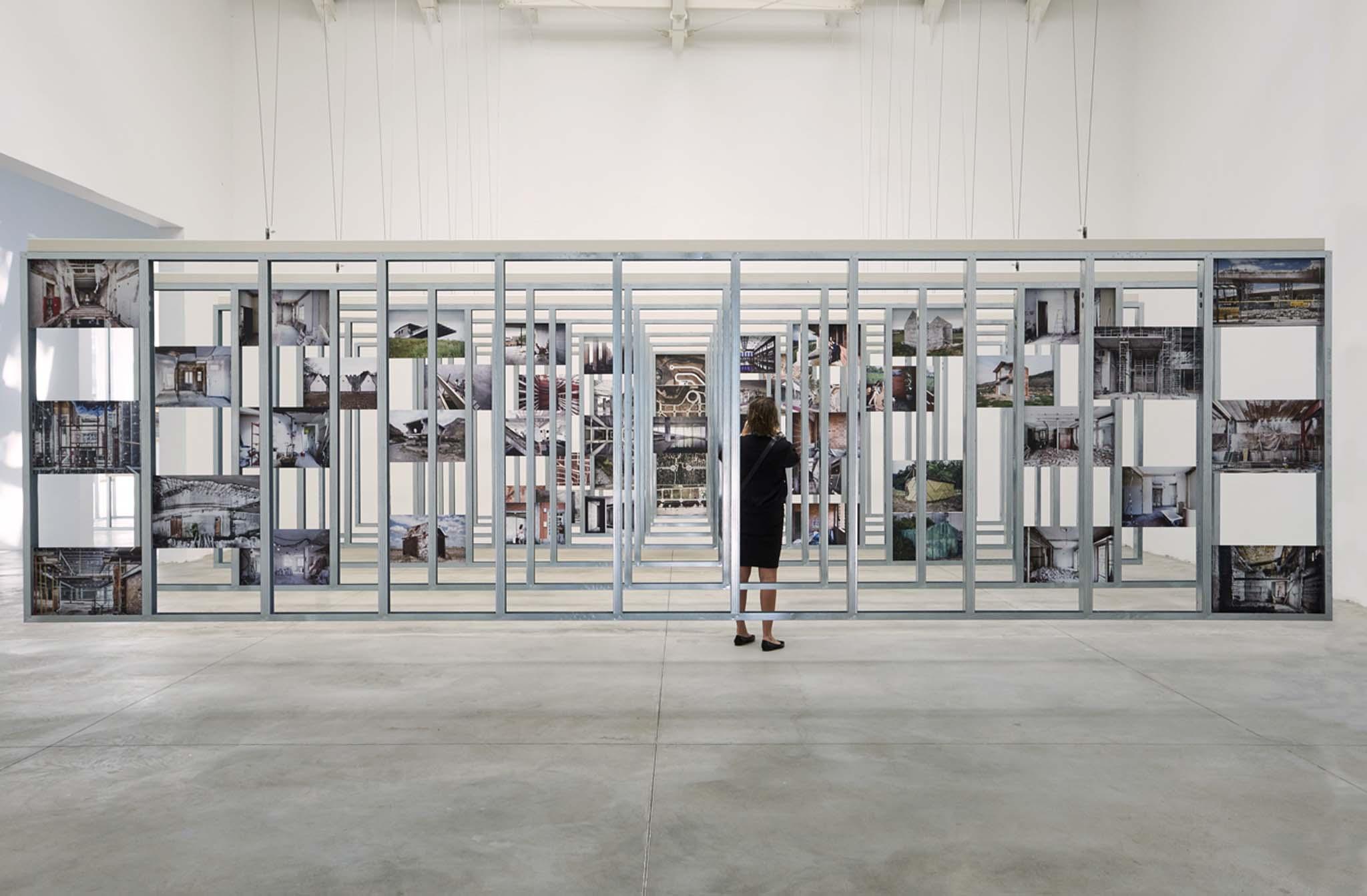 Biennale de venise 2016 le pavillon espagnol et le for Architecture venise