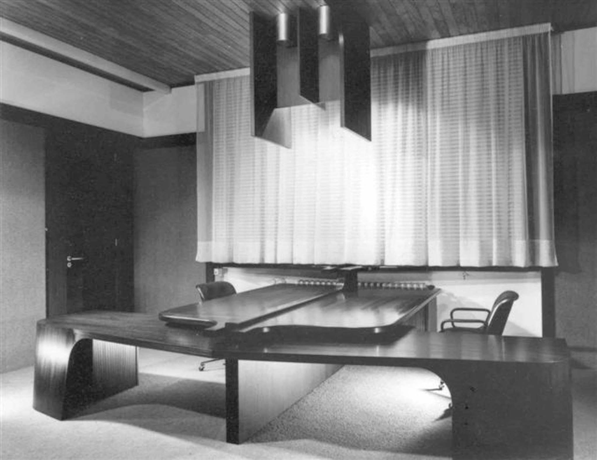 supermagasin de reims bureau directorial double dessin par claude parent. Black Bedroom Furniture Sets. Home Design Ideas