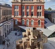 MultiPly, réalisé par Waugh Thistleton Architects, au V&A Museum à Londres