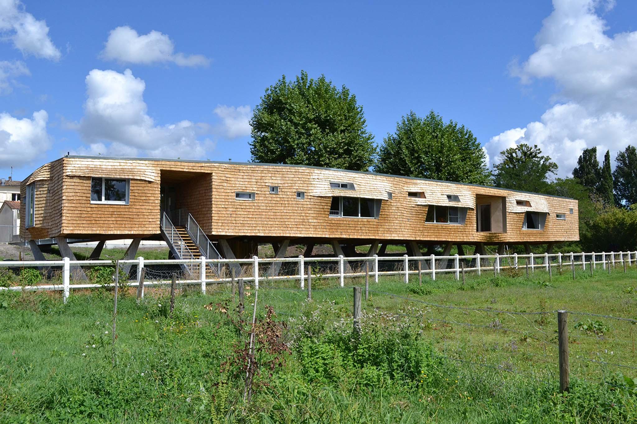Dauphins architecture centre d 39 accueil pour enfants - Architecture pour enfants ...
