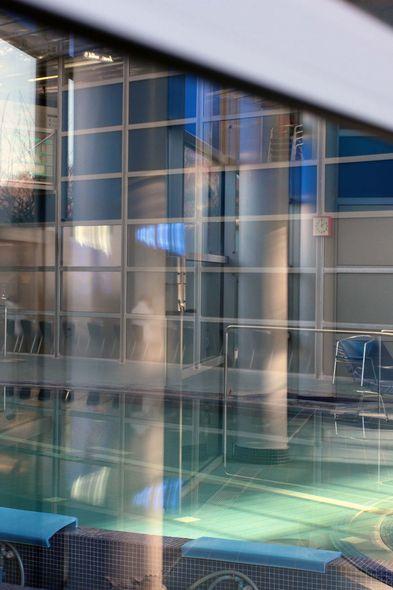 les thermes de jean nouvel dax la piscine avant r novation. Black Bedroom Furniture Sets. Home Design Ideas