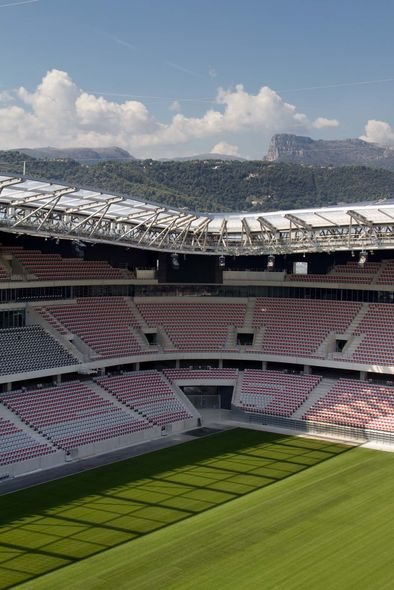 vue sur les gradins et le terrain stade de football allianz riviera wilmotte et associ s nice. Black Bedroom Furniture Sets. Home Design Ideas
