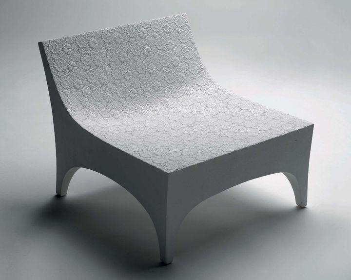 Chaise Basse De 2005 Par Junya Ishigami Polystyrène Et Guipure De