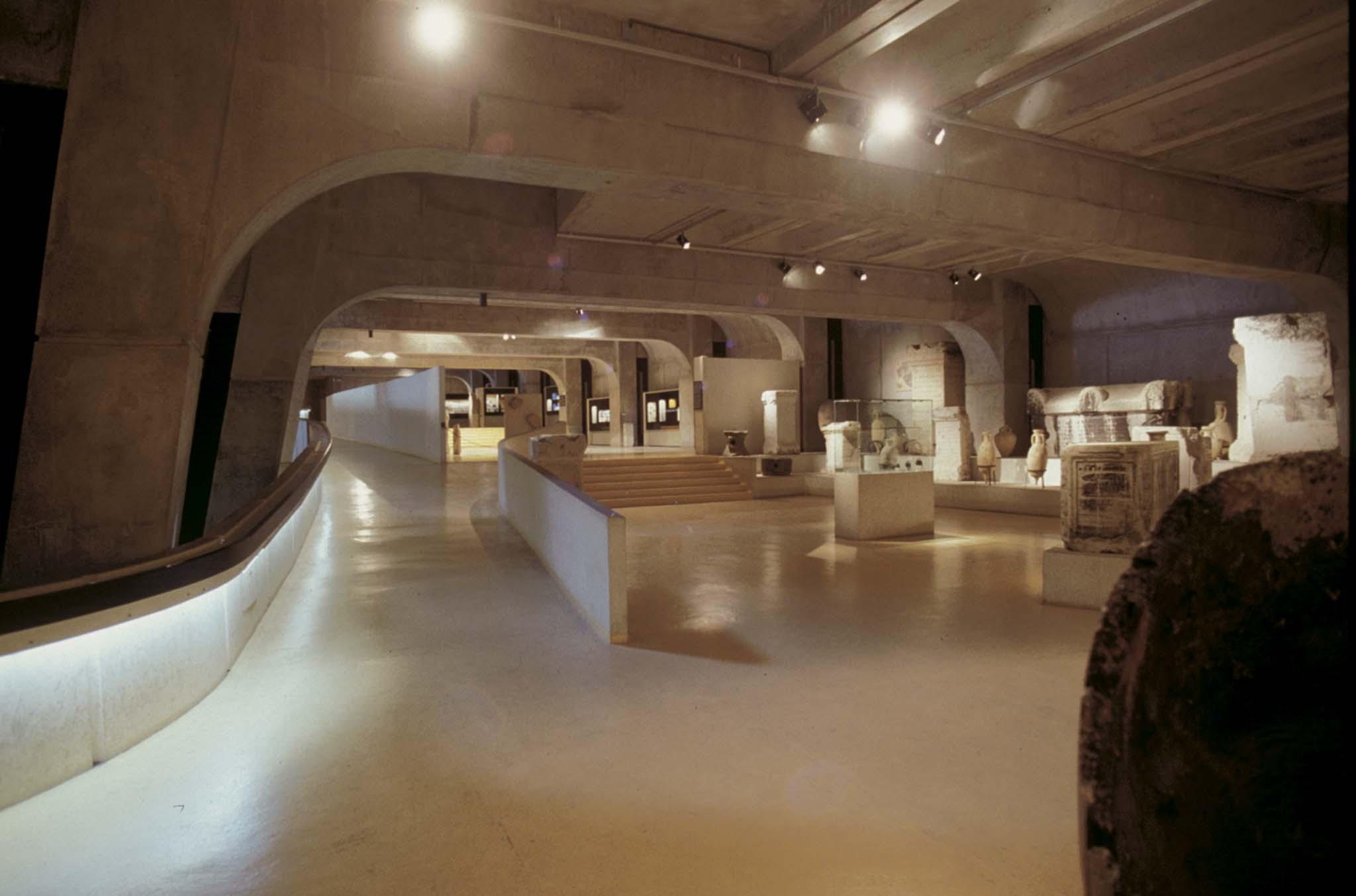 Le mus e gallo romain de lyon 1969 1975 bernard for Architecte urbaniste lyon